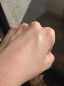 Swatch of NARS highlighter in Devotee